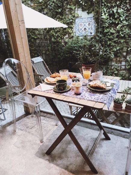 casa-amora-breakfast
